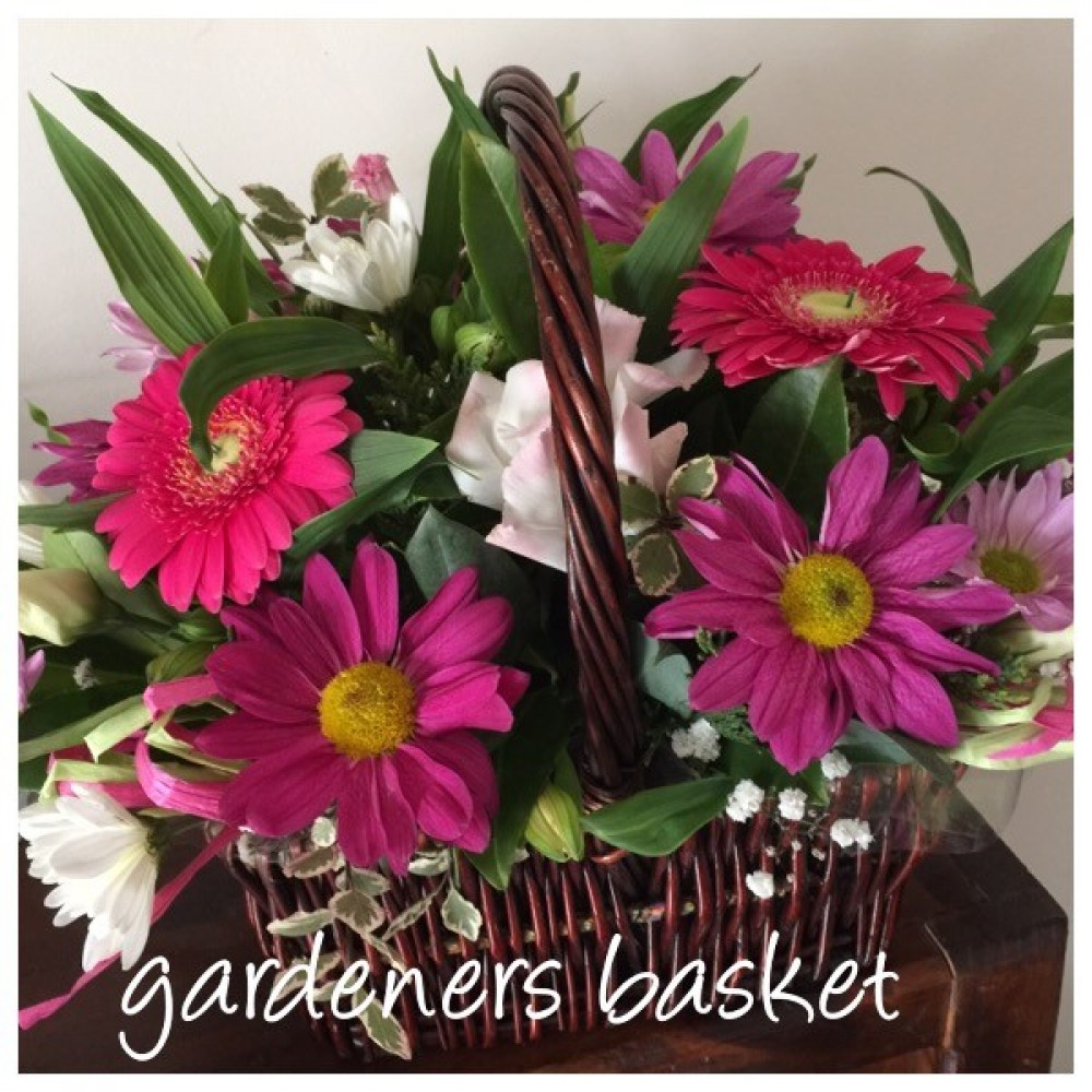 Range Flower Baskets : Gardener s basket macedon ranges florist